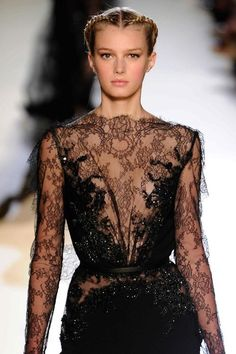 Real Eyes Realize Real Lies Lace Silk, Beaded Lace, Nicole Fashion, Vintage Gothic, Elie Saab, Dress Me Up, Womens Fashion, Ladies Fashion, Glamour