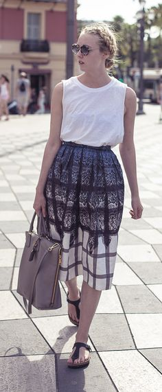 lace print skirt