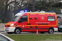 https://flic.kr/p/GWMdmx | BSPP | Renault Master | Renault Master, véhicule de secours et d'assistance aux victimes (VSAV), Brigade de Sapeurs-Pompiers de Paris (BSPP). Renault Master, ambulance, Paris fire brigade (BSPP).