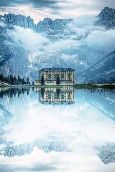 This Italian hotel, which overlooks Lake Misurina, appears to be downright enchanted