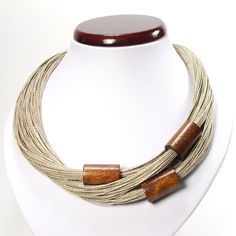 Linen thread and polished wood necklace from Poland. Collares medianos - Agis - hecho a mano por -Jagna- en DaWanda