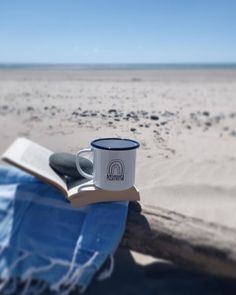 I'm looking forward to a day in the woods with the kids but after seeing this photo I think I'd be getting even stronger Positivitea vibes from a day by the sea. What's your zen place?  #positivitea #intothewoods #ohidoliketobebesidetheseaside #sandinmytoes #zenvibes #customerphoto #onemamoneshed #engravedenamelware #sunseasand #slowsimpleseasonal #moodcollectors Reposted from @pears39 About yesterday...first trip to the beach since Porto in February .  . . {mug from @onemamaoneshed }… Zen Place, Looking Forward, Woods, February, Shed, Mugs, Day, Beach, Instagram