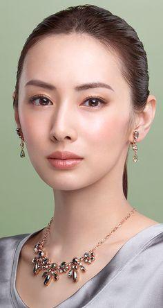 Posted by Sifu Derek Frearson Asian Makeup Tips, Keiko Kitagawa, Asian Eyes, Beauty Shots, Japanese Beauty, Interesting Faces, Beautiful Asian Women, Woman Face, Bridal Makeup