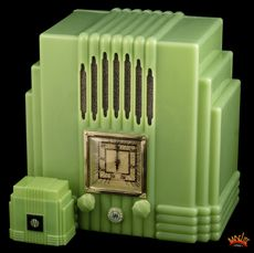 Bakelite Radio, i have wanted a vintage radio for ages....this i would kill for. seriously, who do i need to kill to get this???