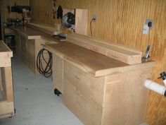 I like that it's a normal workbench and the cutting space is raised. Maybe more versatile this way?
