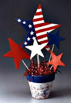 Over 35 Patriotic Party Ideas! Crafts, DIY Decorations, fun food treats and Recipes. Perfect for Memorial Day, Fourth of July and Labor day fun or summer fun – www.kidfriendlyth… Source by itsjuststupid Fourth Of July Decor, 4th Of July Celebration, 4th Of July Decorations, 4th Of July Party, July 4th, Memorial Day Decorations, 4th Of July Ideas, Camping Decorations, Outdoor Decorations
