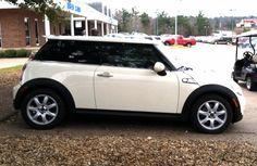 Cream Mini Cooper!! I want this car!!!