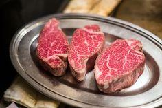 Chianina, Black Angus, manzo Kobe: facciamo un viaggio tra tipi di carne da ogni parte del mondo e andiamo alla scoperta delle specialità più rare.