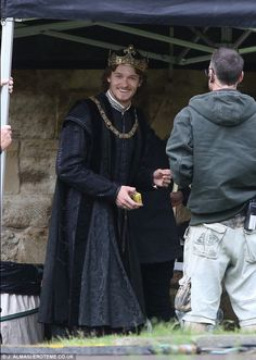Jacob Collins levy as King Henry VII on set of the White princess