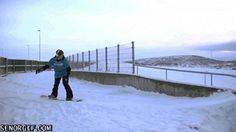 Salto en la nieve de primer nivel { GIF }