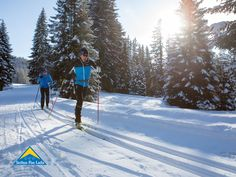 Auch wenn wir uns leider noch etwas gedulden müssen, bis wir wieder alle SFL-Fans bei uns in der Region begrüßen dürfen, haben wir dennoch schon einmal die Wintersportart Langlaufen für euch auf Herz und Nieren getestet. 😍❄ So viel schon einmal vorab: Langlaufen sollte keineswegs als langweilig abgestempelt werden. Können dich unsere 5 Argumente davon überzeugen, diese Sportart einmal auszuprobieren? 🤔 Gleich reinklicken und mehr erfahren. 👇 Winter, Long Distance, Keep Running, Heart, Winter Time