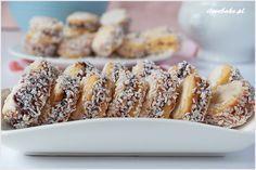 Ciastka słoneczka (aspirynki) od kiedy ich spróbowałam stały się moimi ulubionymi domowymi ciasteczkami. Słodziutkie, kruche z pyszną marmoladą pomiędzy.