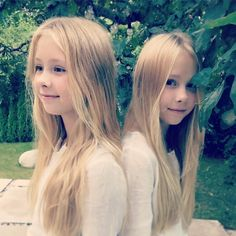 Yay it's Friday our favorite day of the week Wish you all a great weekend #twins #sisters #blonde #love #weekend #friday #style #summer #happyness