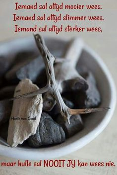 ... Afrikaanse Quotes, Goeie Nag, True Words, Friendship Quotes, Soul Food, Bible Quotes, No Time For Me, Van, Sayings
