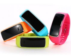 ZTHY D3 Stylish Bluetooth Sync Anti-lost Handfree Waterproof Smart Wrist Watch Bracelet for Android Samsung HTC. 4 colors for your choice: Blue/ Red/orange/green.Dear friends, when you place an order, please leave me a message to tell us which color you want, or we will ship it by random, thanks!!!. Chipset :MTK6260;G-SENSOR ;internal storage32+32. BT 2.1&3.0;Partner with Bluetooth;LCD:0.49 OLED 64*32Dots. battery capacity :180mA ;Standby time:180 hours. Ideal self photo takin. Built-in 7...