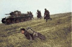Hungarian infantry in action. Unfortunately, the original image is not very good quality. My colored picture. German Soldiers Ww2, German Army, Luftwaffe, Ww2 Uniforms, Ww2 Photos, War Dogs, Ww2 Tanks, Panzer, Military History