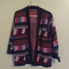Vintage Sweater This is great for the fall:) In perfect condition! Sweaters Shrugs & Ponchos