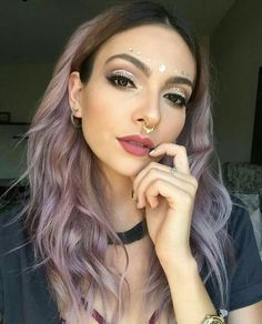 Anna Sarelly Youtube  Maquillaje para festivales musicales Exotic Makeup, Beauty Makeup, Hair Makeup, Hair Is Full Of Secrets, Music Festival Makeup, Pin On, Make Beauty, Dye My Hair, Beauty Advice