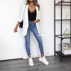 Classy x Casual: Our fav combo 💭✔️ 🔎 Blazer: 7026 Street Style Outfits, Mode Outfits, Fashion Outfits, Fashion Mode, Look Fashion, Womens Fashion, Look Blazer, Pinterest Fashion, Blazer Outfits