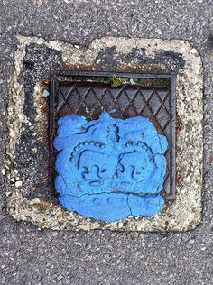 Royally sealed. Manhole covers from a weekend at the seaside  via @TypeTasting