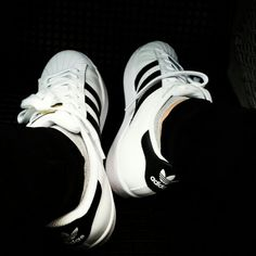 Adidas superstar!