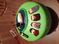 MATTIE wants a Duck Dynasty cake this year! Love this one!