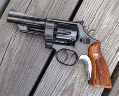 Custom Revolver, Revolver Pistol, Custom Guns, Smith And Wesson Revolvers, Smith N Wesson, Weapons Guns, Guns And Ammo, Detective Movies, Colt Python