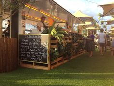 Buy Flowers Online Same Day Delivery Garden Bar Pop-Up At Sydney Opera House Pallets And Planting Re-Use, Up Cycle, Low Impact Design Food Truck, Gin Festival, Pop Up Cafe, Container Bar, Buy Flowers Online, Wine Stand, Pop Up Market, Cafe Seating, Sidewalk Cafe