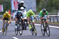 Sagan, Bodnar, Thomas and Froome split from the front of the race in the final kilometres, stage 11 TdF 2016.