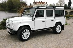 Land Rover : Defender 110 NAS SPEC