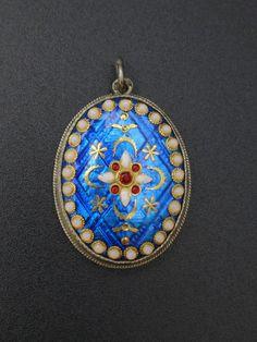 Ancien pendentif argent massif et émaux Bressans bijoux regional XIXeme in Bijoux, montres, Joaillerie, Colliers, pendentifs | eBay