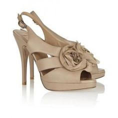 45% off Valentino - Pumps Rose-Appliqued Leather Taupe - $684.75 #valentino #pumps #rose