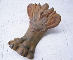 Rusty Old Vintage Ornate Cast Iron Claw Foot Lion Paw Bathtub Foot 1 | eBay