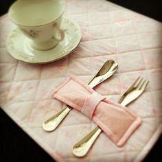 Jogo americano para um lindo chá de bonecas!!! #cha #chade… | Flickr