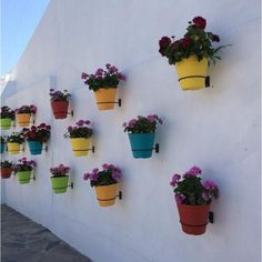 88+ DIY Simple Outdoor Wall Decorations Ideas - Philanthropyalamode.com | Popular Home Design