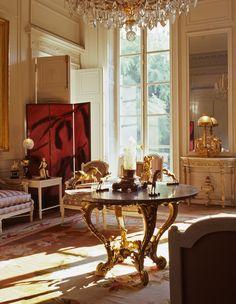 Parisian appartement. What elegance!