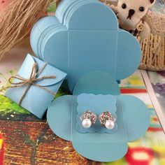 pcs cover inner Card Earirng Box size Cover Inside Card Packing Earring Custom Logo Cost Extra – SHOP THE NATION - citywide. Diy Earrings Box, Diy Earring Cards, Earring Box, Gold Earrings, Diy Gift Box, Diy Box, Diy Gifts, Jewelry Packaging, Gift Packaging