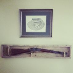 Display Boxes, Display Shelves, Display Case, Wood Projects, Woodworking Projects, Lever Action, Gun Storage, Old Pallets, Diy Interior