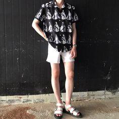 Look at this Cool spring korean fashion Korean Fashion Summer, Korean Fashion Men, Dope Fashion, Fashion Kids, Trendy Fashion, Mens Fashion, Streetwear Mode, Streetwear Fashion, Korean Outfits