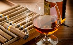 The incredible complexity of scotch whisky paradoxically gives it its appeal, taste-wise but it can also be intimidating for the uninitiated. We present five steps to start you on your journey to scotch whisky appreciation Good Cigars, Cigars And Whiskey, Liquor Drinks, Alcoholic Drinks, Cocktails, White Wine, Red Wine, Black White, Best Cognac