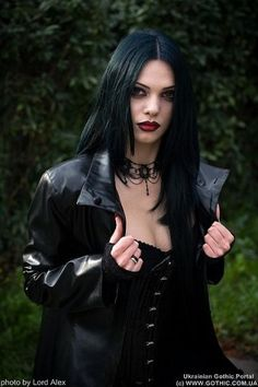 When You Want Gothic Jewelry, We Have The Tips You Need. Photo by shinycatcreations There is a lot more to owning gothic jewelry than being flashy and spending extravagant amounts of money. Gothic Metal, Dark Gothic, Gothic Steampunk, Gothic Glam, Gothic Corset, Goth Beauty, Dark Beauty, Gothic Girls, Dark Fashion