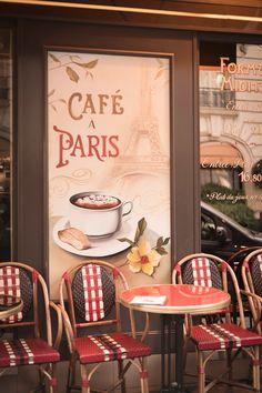 Café à Paris.