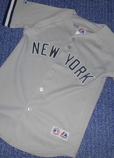 Kaufe meinen Artikel bei #Mamikreisel http://www.mamikreisel.de/kleidung-fur-jungs/kurzarm-hemden/27342306-original-majestic-t-shirt-gr-140-146-sehr-guter-zustand