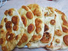 Zouzounomageiremata: Tiganopsoma far! Greek Recipes, Bakery, Food And Drink, Pizza, Snacks, Chicken, Cooking, Breads, Desserts