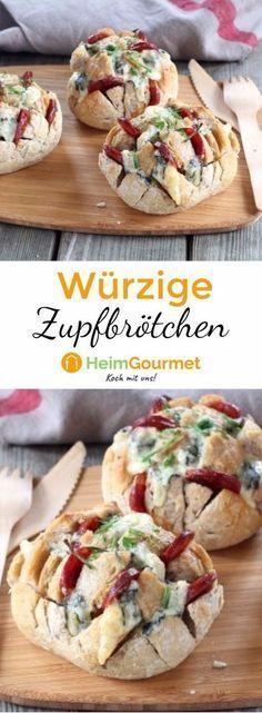 Diese kleinen Brötchen mit Chorizo und Blauschimmelkäse sind ruckzuck belegt und eignen sich perfekt als Fingerfood!