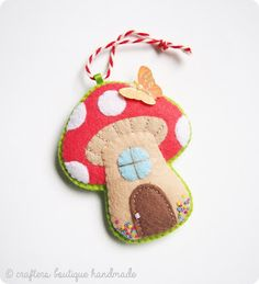 Crafters Boutique: Free Pattern of The Month - Mushroom Cottage Ornam...