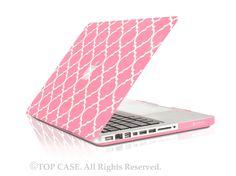 "Quatrefoil / Moroccan Trellis Pink Matte Hard Case for Macbook Pro 15"" Model: A1286"