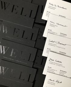 Contrast of black 'matt paper' and black 'shiny foil'! #sales #firmakaartjes #mattpaper #shinyfoil #blackpaper # blackfoil #wellcommunication