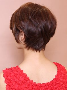 大人のひし形シルエットショート short haircut. Back side