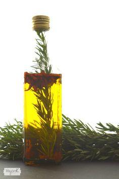 Aceite de cayena y romero - http://www.mycookrecetas.com/aceite-de-cayena-y-romero/